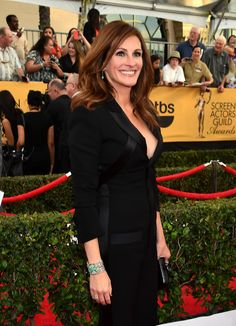 Julia Roberts Photos Photos - Actress Julia Roberts attends the Annual Screen Actors Guild Awards at The Shrine Auditorium on January 2015 in Los Angeles, California. Eliza Dushku, Julia Roberts Style, Erin Brockovich, Georgie, Maggie Gyllenhaal, Hollywood Star, Stunning Women, Celebs, Celebrities