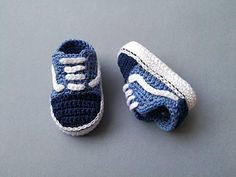 Welcome to SneakersCrochet! Here you will find the perfect gift for baby announcement and baby shower! INSTANT DOWNLOAD This is a Pattern for baby sneakers Vans old school style. The price is for the pattern only, not for the finished product. You will receive a PDF file with