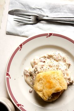 Biscuits with Sawmill Gravy : Saveur