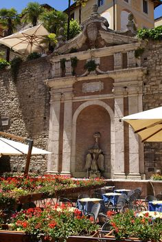 Todi, Corso Cavour, Fonte Cesia - Umbria, Italy