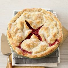 These are my new favorite dessert! Quick & Easy Vegetarian Recipes Chewy M Sugar Cookies Deep-Dish Strawberry-Rhubarb Pie // More Fantasti. Deep Dish, Cobbler, Pie Recipes, Great Recipes, Delicious Recipes, Vegan Recipes, Dessert Recipes, Cheesecakes, Strawberry Rhubarb Recipes