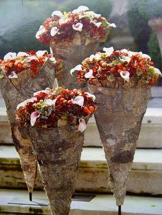 love the birch Bridal Flowers, Silk Flowers, Flower Crafts, Flower Art, Fleur Design, Rustic Bouquet, Arte Floral, Floral Bouquets, Topiary