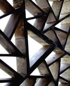 wonderful screen - concrete or metal? No source