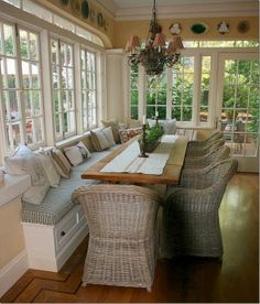 sunroom with built-in seating
