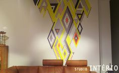 #SI #StudioInterio #Studio #Interio #Riel #Brabant #Design #architecture #inspiration #beinspired #interior #interieur #interieurdesign #modern #chique #luxe #sfeer #atmosphere #yellow #orange #grey #brown #black #white #couch #behang #wallpaper #paper