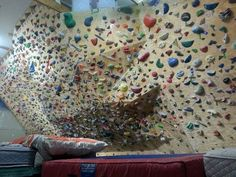 A climbing wall in your bedroom. | 10 Amazing Things Your New House Needs