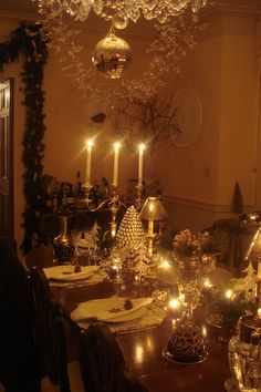 christmas table  So elegant. Reminds me of a different era...
