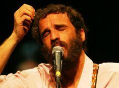 Projeto Grandes Artistas tem como atração dessa semana o cantor e compositor carioca.