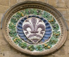 Firenze - Orsanmichele, tondo con stemma di Firenze #TuscanyAgriturismoGiratola