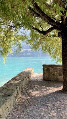 Alake Brienz, Switzerland Best Of Switzerland, Abaya Fashion, Bern, Travel Couple, Landscape Photos, New Pictures, Porches, Travel Guide, Travel Photography