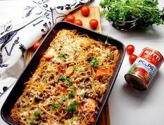 Jauheliha ja spagetti on sopiva parivaljakko. Nyt en tehnyt pastaa,   vaan laatikkoruokaa tarkemmin spagettivuokaa. Tästä tuli mehukkaan... Spagetti, Finnish Recipes, No Salt Recipes, Kitchen Time, Tuli, Fodmap Recipes, I Love Food, Pasta Dishes, Dinner Recipes