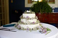 #wedding cake #Lavender + baby breath {Mirus Polleo Photography}