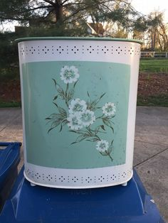 Laundry Hamper with Lid. Laundry Hamper With Lid, Teal Outfits, Vintage Outfits, Vintage Fashion, Vintage Laundry, Hampers, Floral Flowers, Wicker, Cleaning