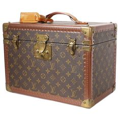 Pre-Owned Louis Vuitton Monogram Toiletry Case Boite Pharmacie M21826 ($3,980) ❤ liked on Polyvore featuring bags and brown