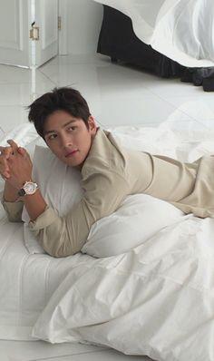 지 창 욱 Ji Chang Wook ♡♡ that handsome and sexy look .❤❤ 지 창 욱 Ji Chang Wook ♡♡ that handsome and sexy look . Ji Chang Wook Smile, Ji Chang Wook Healer, Ji Chan Wook, Korean Star, Korean Men, Asian Actors, Korean Actors, Ji Chang Wook Photoshoot, Hong Ki