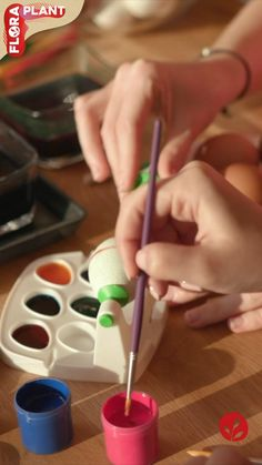 Master Easter Eggs coloring this Easter, inspired by nature! 🌿 All the coloring is made with PLANTS! Spring Starts, Coloring Easter Eggs, Real Plants, Spring Recipes, Family Meals, Plant Based, Flora, Inspired, Nature