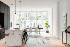 Funda Finds: dit appartement in Amsterdam heeft de mooiste keuken ever (marmer!)