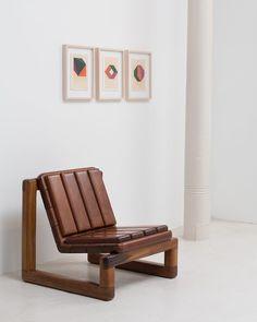 "Limited- edition ""Zion"" chair designed by @zaninidezanine on display at ESPASSO Annex. Art by Geraldo de Barros by @lucianabritogaleria @eliseucavalcante #braziliandesign #designbrasileiro #zaninidezanine #geraldodebarros #espassony #espassoannex #contemporaryart #contemporarydesign"
