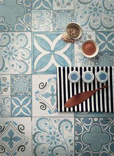 Sand, Industrial edition. Atmosfere e stili complementari si ritrovano in una casa contemporanea. Una cucina che non passa di moda perché non conosce le mode. Un esempio di simbiosi perfetta tra creatività e funzionalità.