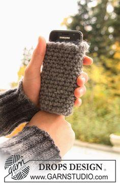 """DROPS crochet mobile pouch in """"Eskimo"""". ~ DROPS Design"""