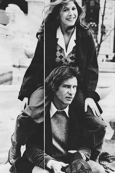 Because one can never see Carrie Fisher sitting on Harrison Ford's shoulders too many times. Because one can never see Carrie Fisher sitting on Harrison Ford's shoulders too many times. Star Wars Film, Star Trek, Star Wars Cast, Por Tras Das Cameras, Barbeau, Princesa Leia, Han And Leia, Original Trilogy, Star War 3