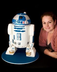 R2D2 Step By Step – Stacked Cakes, Canberra Specialty Cake Decorators - Cake Blog with printable templates! cool!