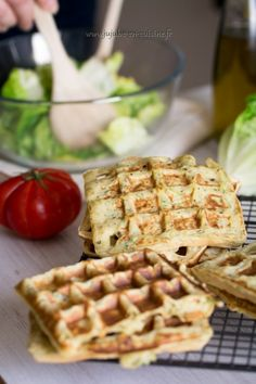 Recipe of salted waffles (with zucchini) – Jujube in the kitchen Waffle Recipes, Veggie Recipes, Indian Food Recipes, Pancake Recipes, Zucchini, Savory Waffles, Food Humor, Falafel, Healthy Cooking