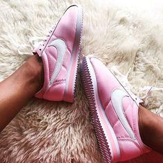 @yakuzashao got some awsome Pink Nike Cortez #pink #nike #cortez #nikecortez #awsome #obsessedwithpink