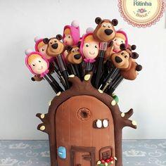 porta-lápis e lápis com personagens Masha e o Urso feito de biscuit 2nd Birthday, Birthday Parties, Masha And The Bear, Bear Party, Dessert Table, Biscuits, Polymer Clay, Birthdays, Arts And Crafts