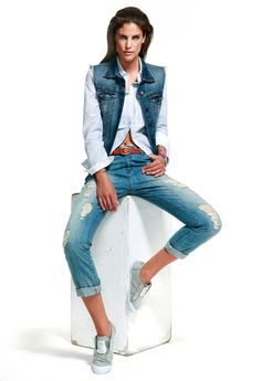Look años 90 Denim Fashion, 90s Fashion, Estilo Denim, Grunge, Age, Retro, My Style, Jeans, Outfits