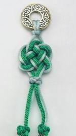 Handicraft column – Celtic knots beaded jewellery Source by Jewelry Knots, Bracelet Knots, Knot Necklace, Macrame Jewelry, Jewelry Crafts, Beaded Jewellery, Beaded Necklaces, Necklace Tattoo, Jewellery Earrings