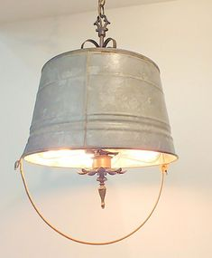 A totally unique 'Shabby Chic vintage bucket chandelier that will be the talk of the room and give exceptional illumination. A totally unique 'Shabby Chic Shabby Chic Diy, Shabby Chic Kitchen Decor, Shabby Chic Homes, Shabby Chic Style, Shabby Chic Furniture, Shabby Vintage, Home Decor Inspiration, Diy Home Decor, Bulb
