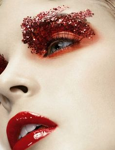 Red eyeshadow - Glitter - Make-up