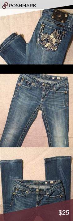 """Miss Me Jeans Boot Cut Size 27 Miss Me Jeans Boot Cut Size 27 with 30"""" inseam. Great condition Miss Me Jeans Boot Cut"""
