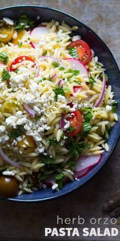 Herb Orzo Pasta Salad with Feta, Tomatoes and a Red Wine Vinaigrette @sweetpeasaffron