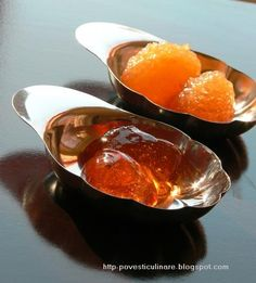 Romanian Preserves Peltea And Dulceata (Quinces) Quince Recipes, Canning Pickles, Jam On, Jam And Jelly, Romanian Food, Canning Recipes, Preserves, Good Food, Food And Drink