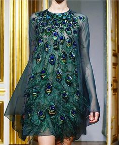 <img> dark emerald dress with peacock inspired embroidery - Fairy Dress, I Dress, Live Fashion, Fashion Show, Fashion Design, Couture Dresses, Fashion Dresses, Emerald Dresses, Mode Abaya