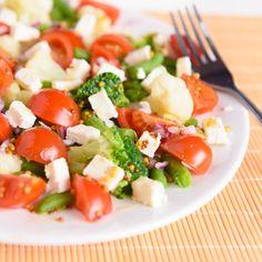 Sałatka z gotowanymi warzywami #feta #tomato #broccoli #greenBeans #pomidory #brokuły #fasolkaszparagowa