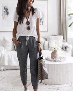 Lazy Day Outfits, Basic Outfits, Cute Outfits, Joggers Outfit, Athleisure Outfits, Lounge Outfit, Lounge Wear, Look Fashion, Fashion Outfits
