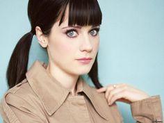 Zoeey Deschanel has a big blue eyes like a scared baby!