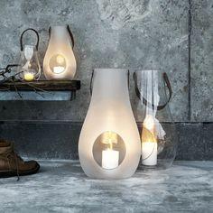Lanterne DESIGN WITH LIGHT de Holmegaard. http://www.designers-avenue.com/fr/bougeoirs-photophores-et-lampes-a-huile/2611-design-with-light-lanterne-xl-holmegaard-5706422910907.html
