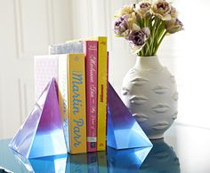 bookends by Jonathan Adler. 30 home decor ideas home decor ideas home decor ideas – bookends by Jonathan Adler. Neo Geo, Jonathan Adler, Color Trends, Design Trends, Interior Styling, Interior Design, Interior Doors, Modern Interior, Modern Decor