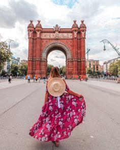 20+ Instagram spots in Barcelona | Dianamiaus Barcelona Sights, Barcelona Spain Travel, Gaudi, Hotel W, Barcelona Architecture, Best Instagram Photos, World Traveler, Trip Planning, Big Ben