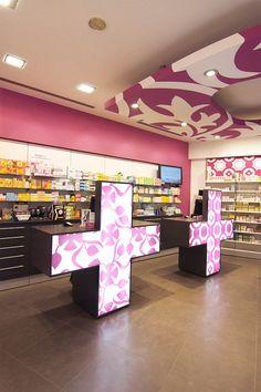 Farmacia Thomas 04 | Flickr Pharmacie réalisée par Mobil M. Laisse place au design graphique !