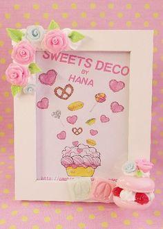 樹脂粘土で作るスイーツデコ:スイーツデコ 写真たて Sweets, Frame, Pictures, Home Decor, Frames, Picture Frame, Photos, Decoration Home, Gummi Candy