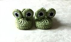 Green Frog Baby booties. $17.00, via Etsy.