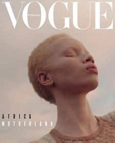 Thando Hopa is a SouthAfrican model and albinism activist. People living with albinism face tremendous problems, including murder, in many African countries. The post Thando Hopa, model from Johannesburg appeared first on Didier J. Vogue Magazine Covers, Fashion Magazine Cover, Fashion Cover, Capas Vintage Da Vogue, Vogue Vintage, Foto Fashion, Vogue Fashion, Africa Fashion, Urban Fashion