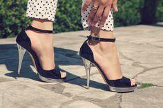 chic Charles Jourdan silver heels shiny black shoes