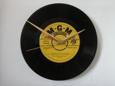 """Gigi  soundtrack    7""""  vinyl record clock  £6.99"""