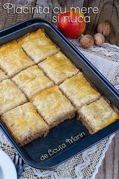 Din bucătăria mea: Placinta cu mere si nuca Vegan Sweets, Sweets Recipes, Cooking Recipes, Healthy Recipes, Apple Desserts, No Bake Desserts, Healthy Diners, Good Food, Yummy Food